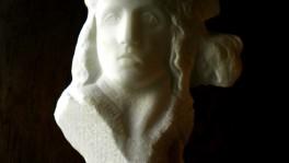 donna scaglia I  marmo statuario di carrara 2011 35x 30 (3)