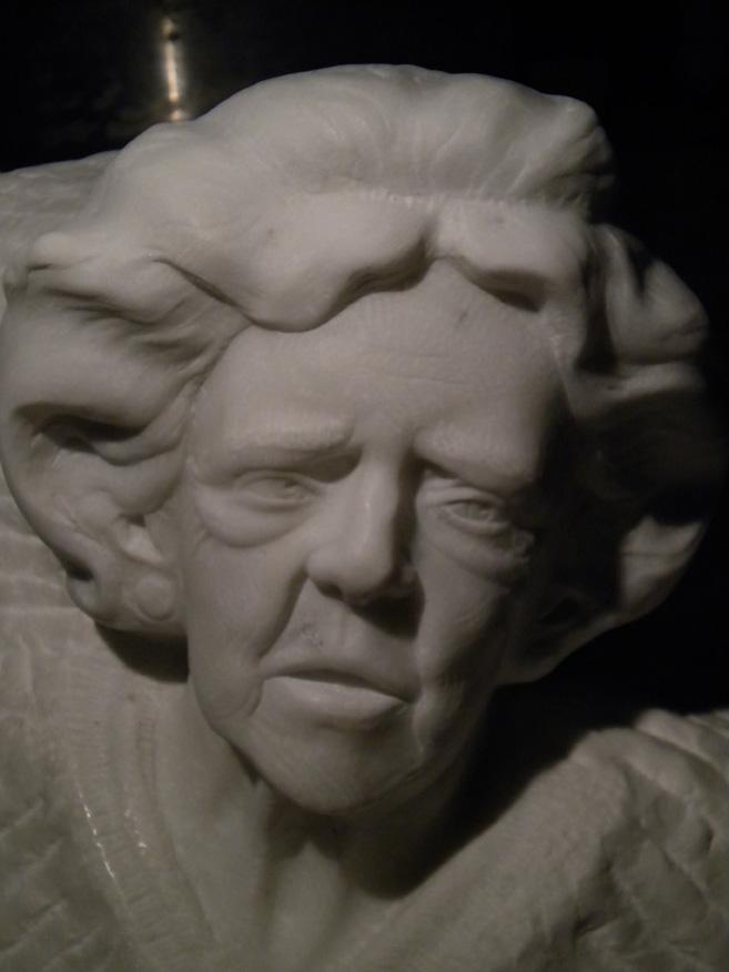 ritratto Rosa marmo statuario di carrara 2009  40x30x36 (3)