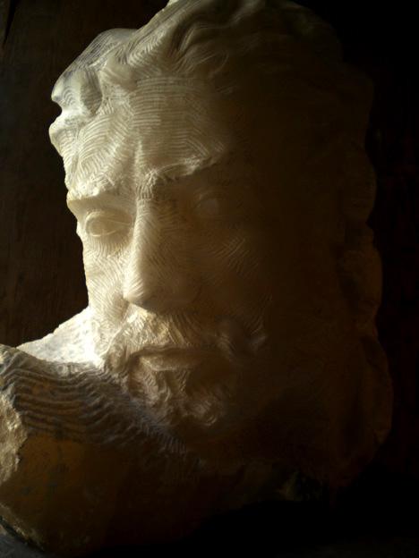 testa alabastro alabastro di volterra 2008 35x40x20 (2)