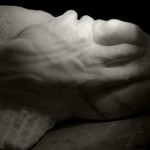 torso-mano marmo bianco di carrara 2010 20x20x45 (1) copy